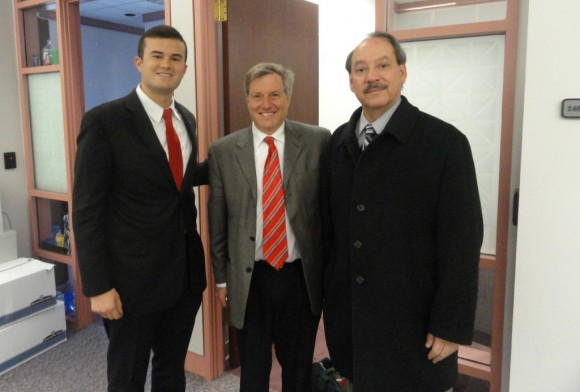 State Sen. Art Linares (left) at the State Capitol complex with former Hartford State Rep. Art Feltman (center) and Spanish American Merchants Association (SAMA) Executive Director Julio Mendoza (at right)