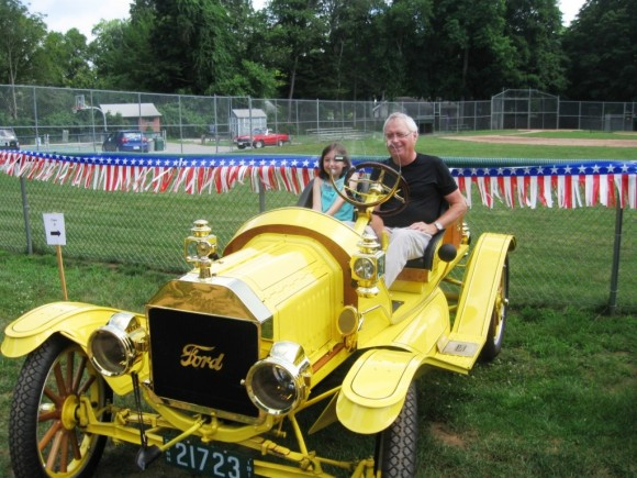 Bruce Robinson and Granddaughter, Ann Lovelace, in 1914 Model T