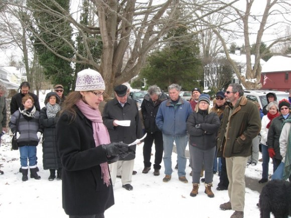 Essex Attorney Jeannine Wyszkowski conducted the auction, recognizing 28 bids