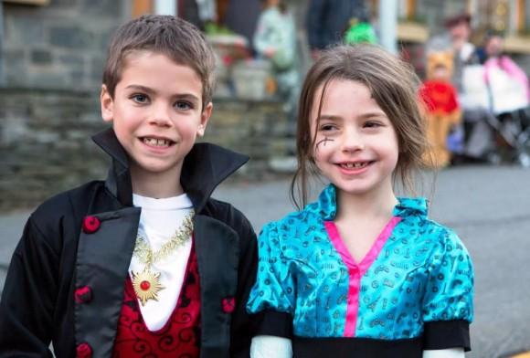 Elliot Stack and JayLee Milhomme are eagerly waiting for the Halloween Costume Parade in Chester on Halloween night. Photo by Spiritdog Photography