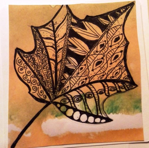 A fall leaf zentangle by Sue Zirlen – just one of a myriad of designs one can create by zentangling