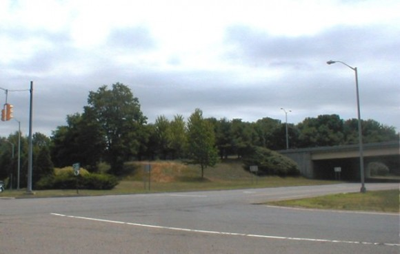 I-95's Exit 70 offers a beautiful gateway to Old Lyme.