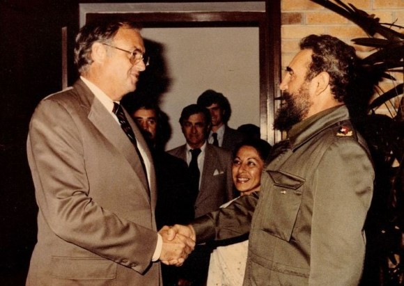File photo from the 1980s of then U.S. Senator Lowell Weicker shaking hands with Cuban dictator Fidel Castro.