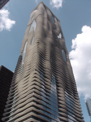 The Aqua tower in Chicago by Jeanne Gang. Photo by George Showman.