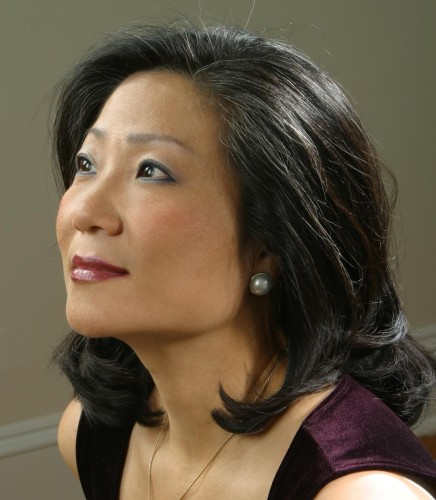 Artistic Director and pianist Mihae Lee has been captivating audiences throughout North and South America, Europe, and Asia in solo recitals and chamber music concerts