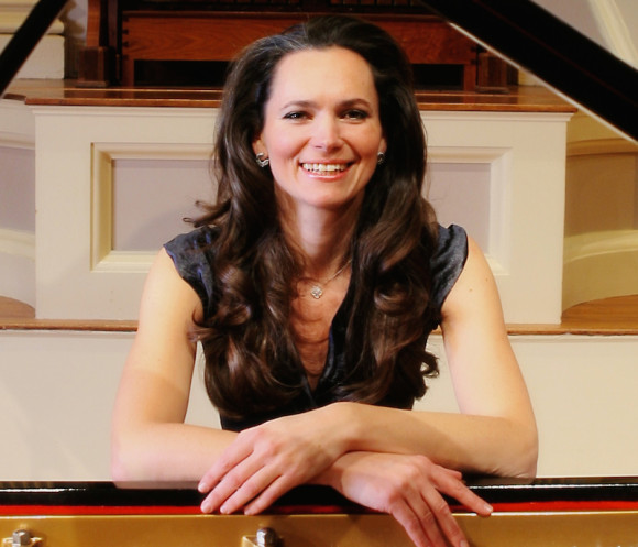 Pianist Dalia Lazar