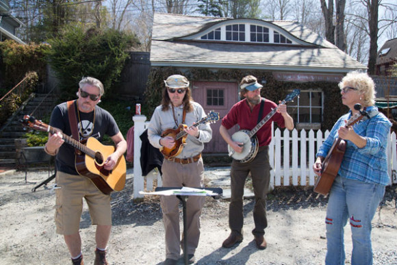 The Arrowhead String Band will play a Concert in the Garden, Aug. 27