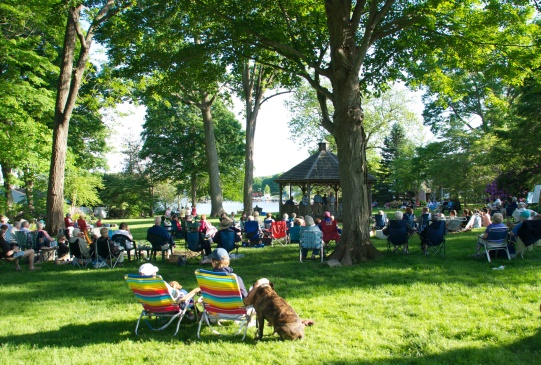 Essex Corinthian Jazz Band will play in Main Street Park on June 12. Bring your own picnic.