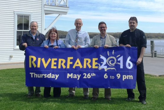 Connecticut River Museum Board Vice-Chair Tom Wilcox and Executive Director Christopher Dobbs are joined by some of the restauranteurs as well as Essex First Selectman Norman Needleman to celebrate the upcoming RiverFare 2016. From left to right: Tom Wilcox, Selene Sweck of Catering by Selene, Norman Needleman, Christopher Dobbs, and Chef Earl Swain of Cloud Nine Catering.